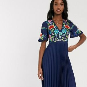 NWOT Gorgeous Pleated Embroidered Midi Dress